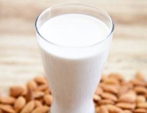 como hacer leche de almendras