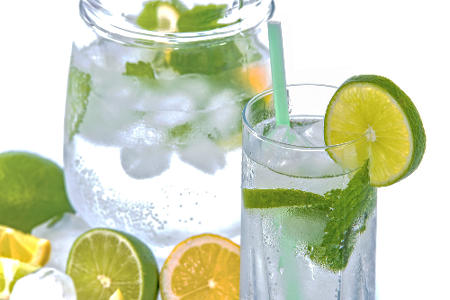 agua-de-limon-natural